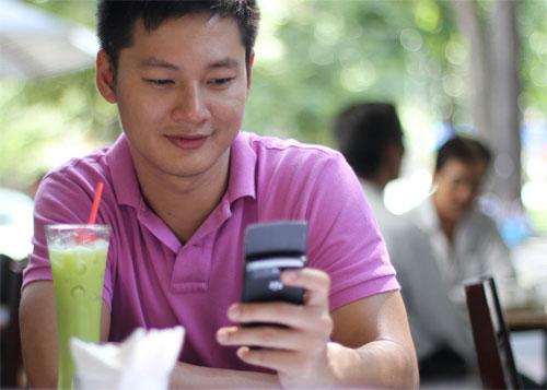 Chia sẻ niềm đam mê BlackBerry cùng 'sao' Việt
