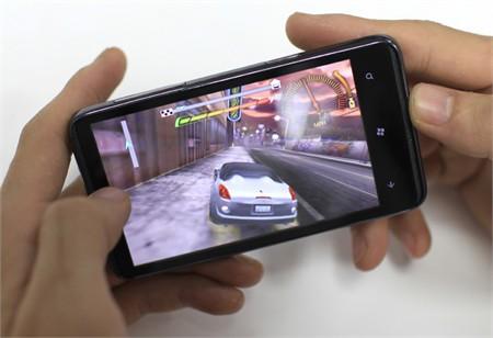 H7-3G - Smartphone rẻ 'vô đối'