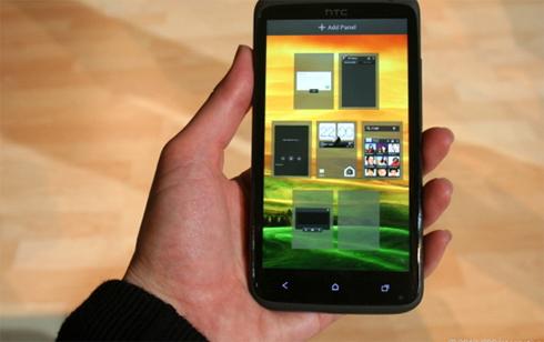 HTC One X với màn hình 4,7 inch.