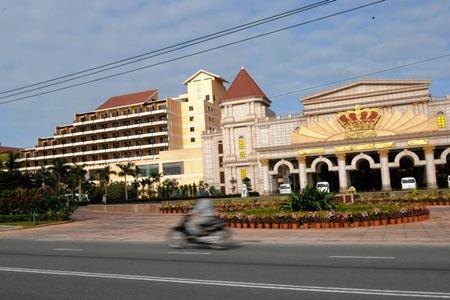 Các casino tại Việt Nam hiện chỉ mở cửa cho người nước ngoài. Ảnh: AFP